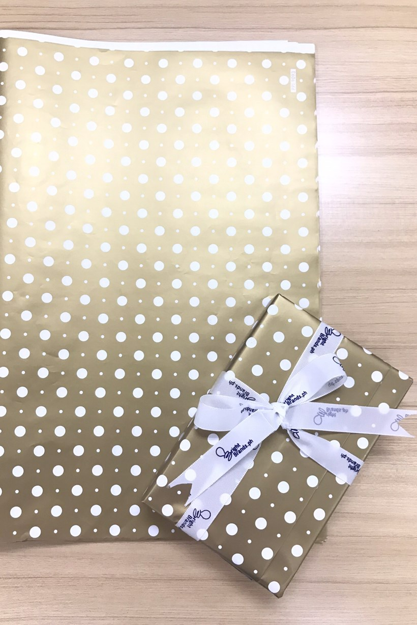 Gift Wrapper - Gold (with dots)