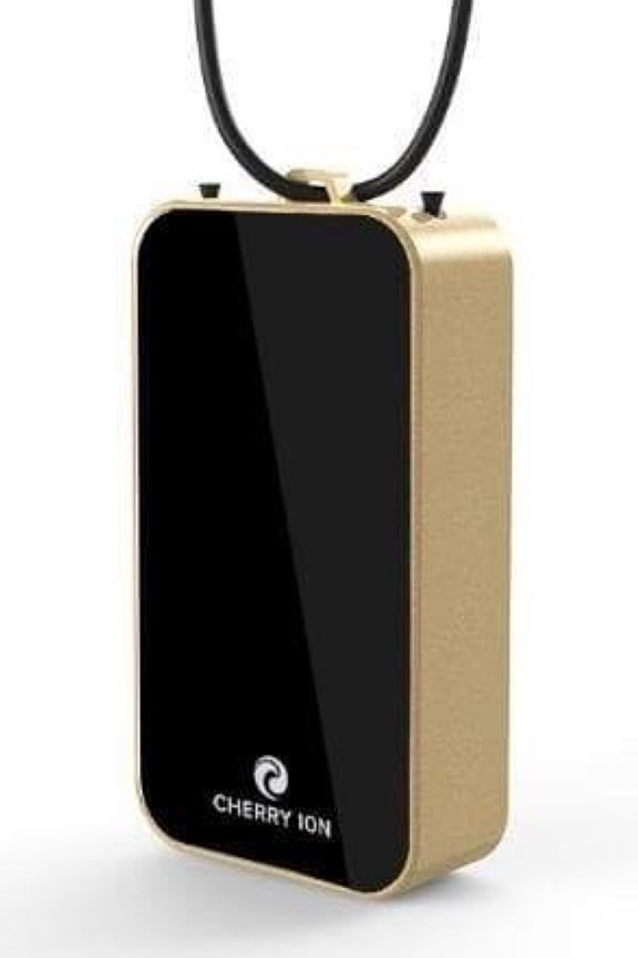 Cherry Ion Personal Wearable Air Purifier (Black-Gold)